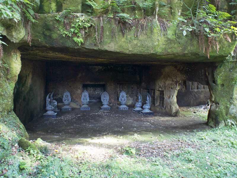 BT_zuiganji_caves.jpg