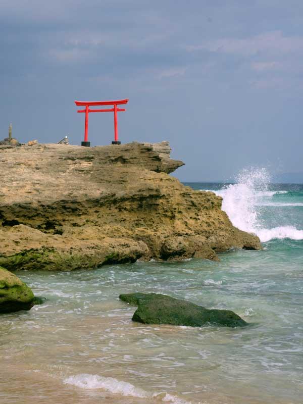 IGT_shirahama_torii1.jpg
