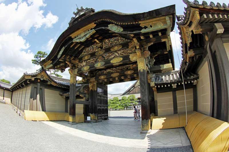 KYT_gate_Nijojo.jpg