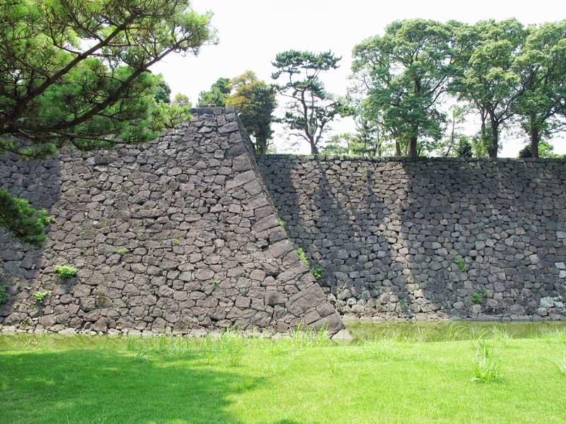 TT_14_Edo castle wall