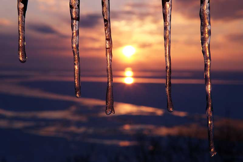 HST_15_Utoro_sunset_icicles.jpg