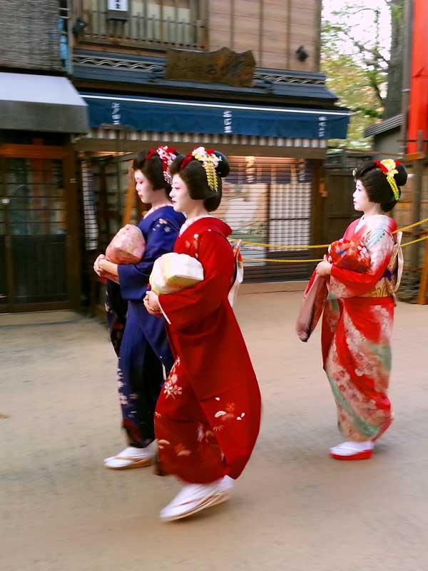 TT_21_Asakusa geisha