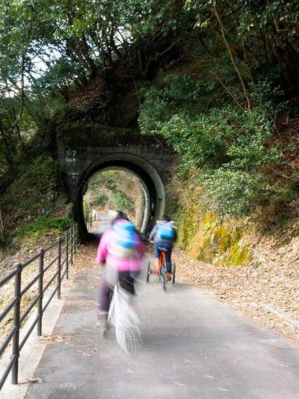 OHT_Yabakei_cyclingroad