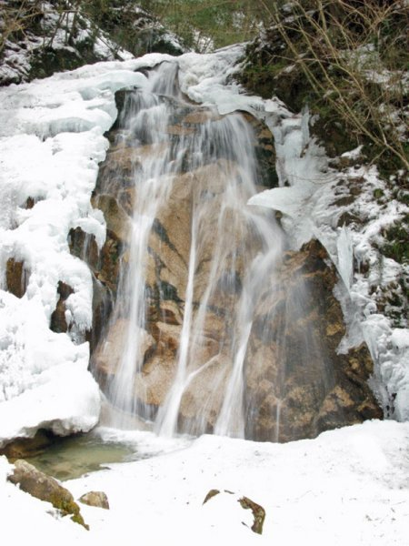 WNW_nakasendo_waterfalls_tsumago.jpeg